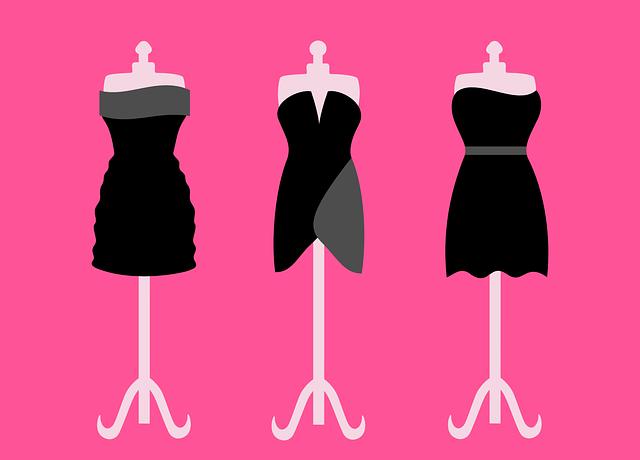 Troje dámské společenské šaty obléknuté na krejčovských pannách