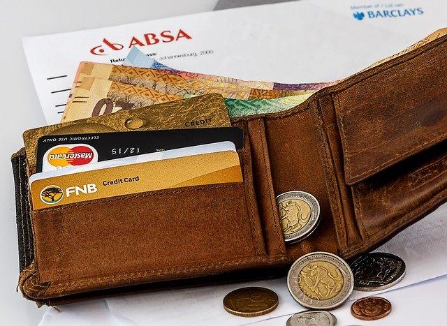 Peněženka, kreditní karta